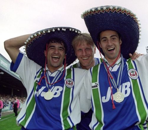 Roberto Martínez and Díaz celebrate winning the Third Division Championship at Springfield Park. Photo via Daily Post