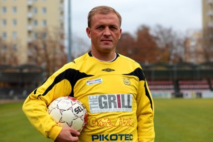 Popovitch re-joins Ilves Tampere in the Kakkonen .