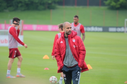 Guardiola taking control of a Bayern Munich training session.